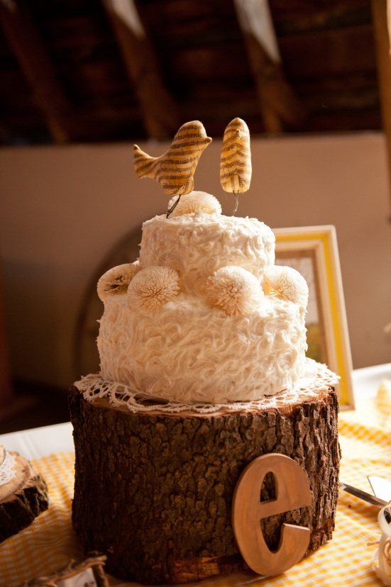 rustic country wedding cake tree log music bird topper